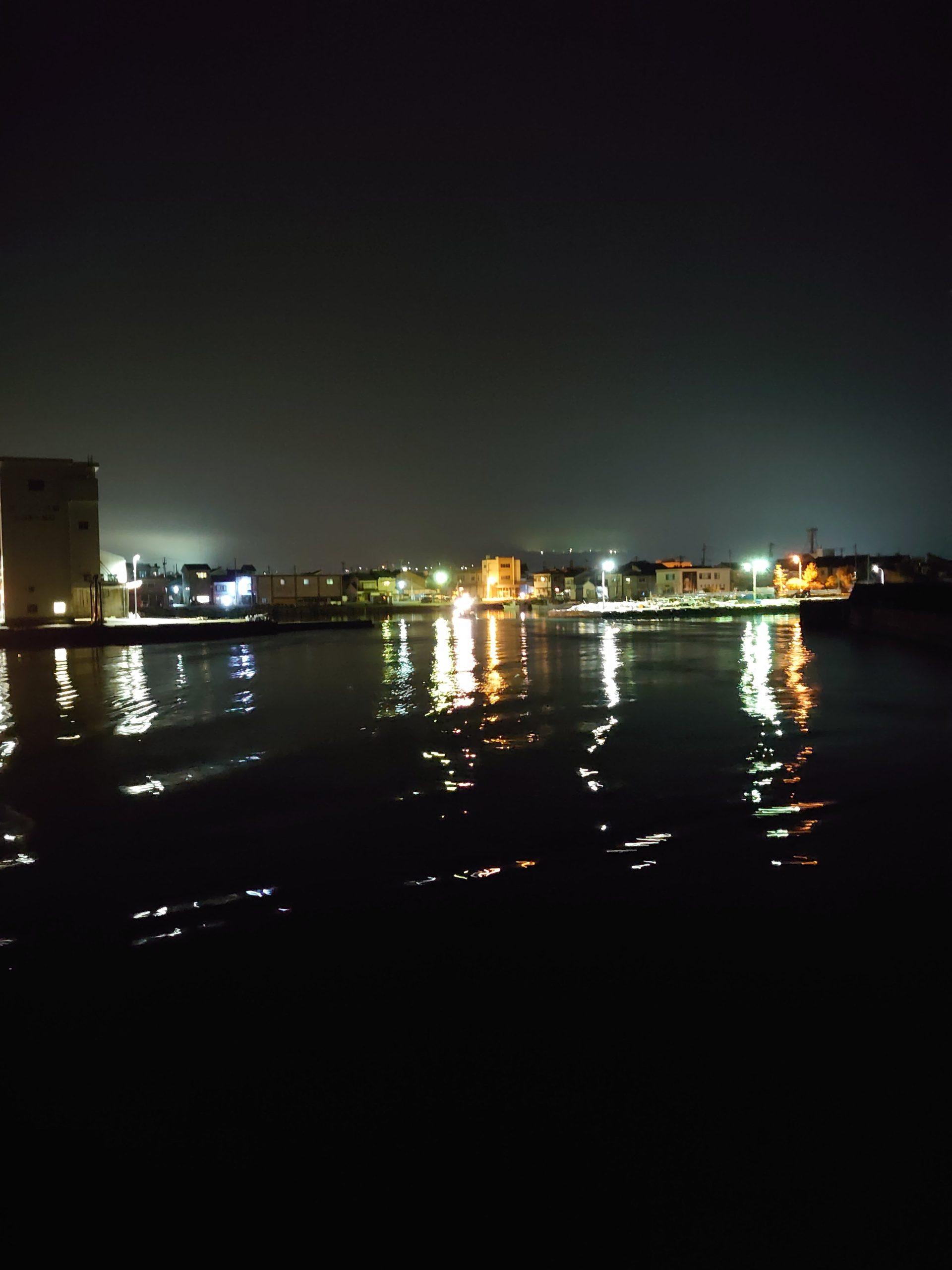 夜の富山湾
